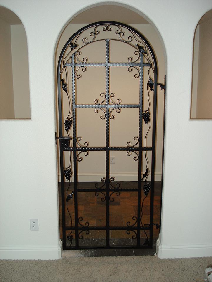 wine-cellar-gates-03